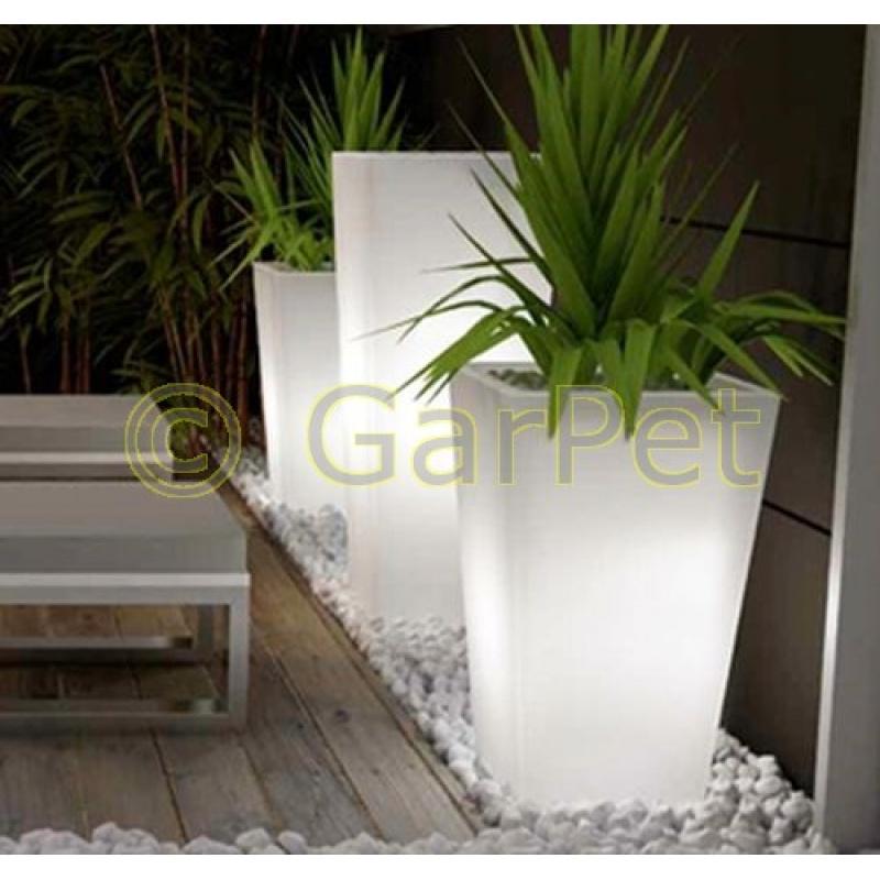 beleuchtete pflanzk bel f r terrasse eckig g nstig 134 95. Black Bedroom Furniture Sets. Home Design Ideas